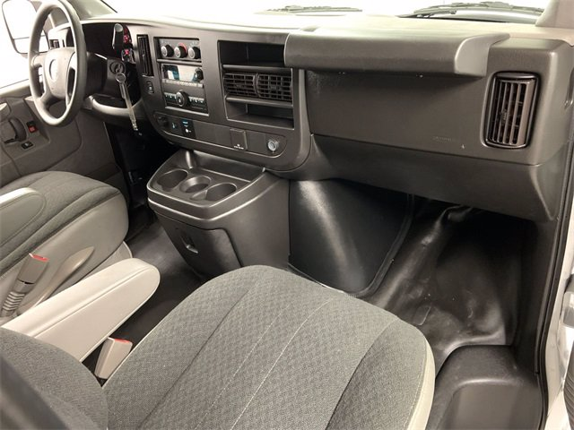 2019 GMC Savana 2500 RWD, Empty Cargo Van #W4556 - photo 9