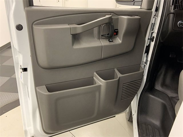 2019 GMC Savana 2500 RWD, Empty Cargo Van #W4556 - photo 5