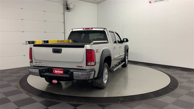 2010 GMC Sierra 1500 Crew Cab 4x4, Pickup #W4575A - photo 2