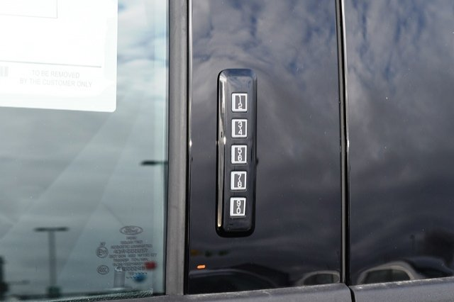 2018 Ford F-150 SuperCrew Cab 4x4, Pickup #W6043 - photo 28
