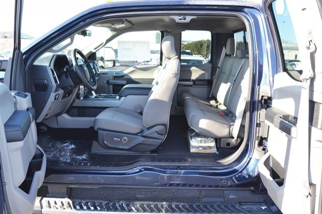 2018 F-250 Super Cab 4x4, Pickup #18F232 - photo 17