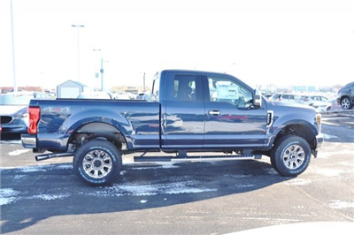2018 F-250 Super Cab 4x4, Pickup #18F232 - photo 7