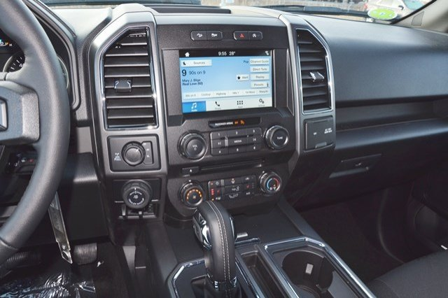 2018 F-150 Crew Cab 4x4, Pickup #18F309 - photo 23