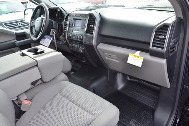 2018 F-150 Regular Cab 4x4, Pickup #18F404 - photo 17