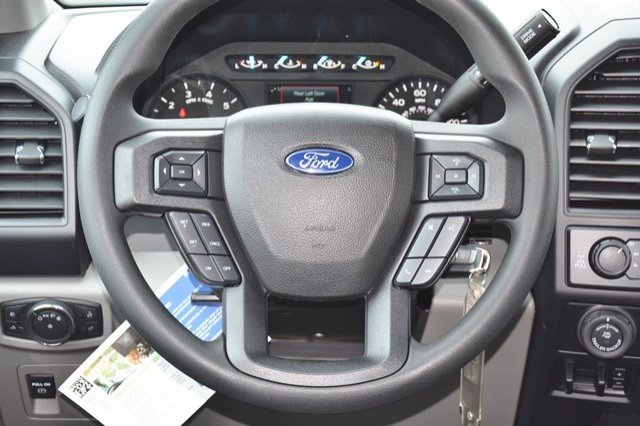 2018 F-150 Crew Cab 4x4, Pickup #18F435 - photo 18
