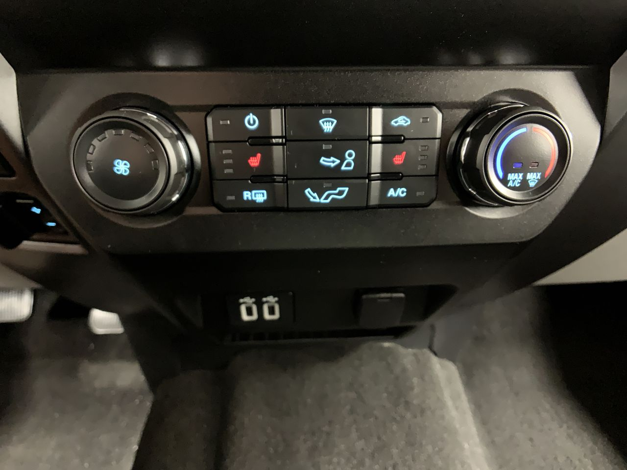 2019 F-150 SuperCrew Cab 4x4,  Pickup #19F268 - photo 41