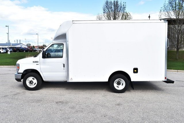 2019 E-350 4x2,  Supreme Cutaway Van #19F594 - photo 1