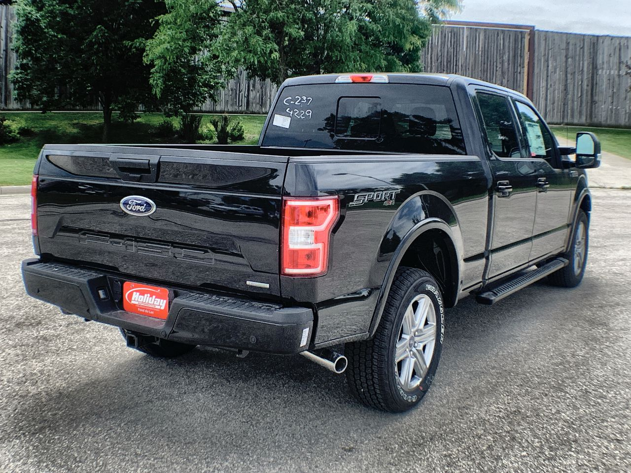 2019 F-150 SuperCrew Cab 4x4,  Pickup #19F628 - photo 6