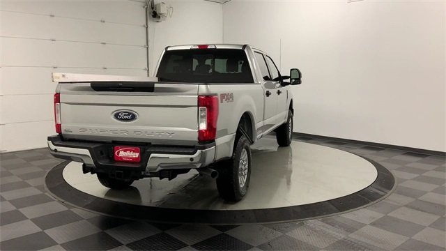 2019 F-250 Crew Cab 4x4, Pickup #19F976 - photo 1