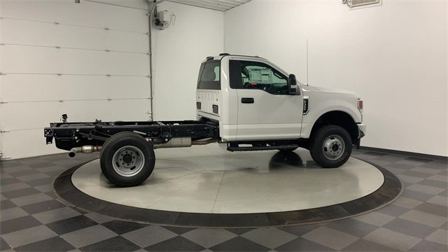 2020 F-350 Regular Cab DRW 4x4, Cab Chassis #20F168 - photo 2
