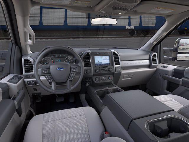 2021 Ford F-350 Crew Cab 4x4, Pickup #21F394 - photo 8