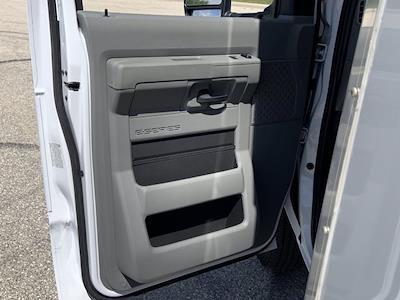 2022 Ford E-450 4x2, Bay Bridge Cutaway Van #22F1 - photo 7