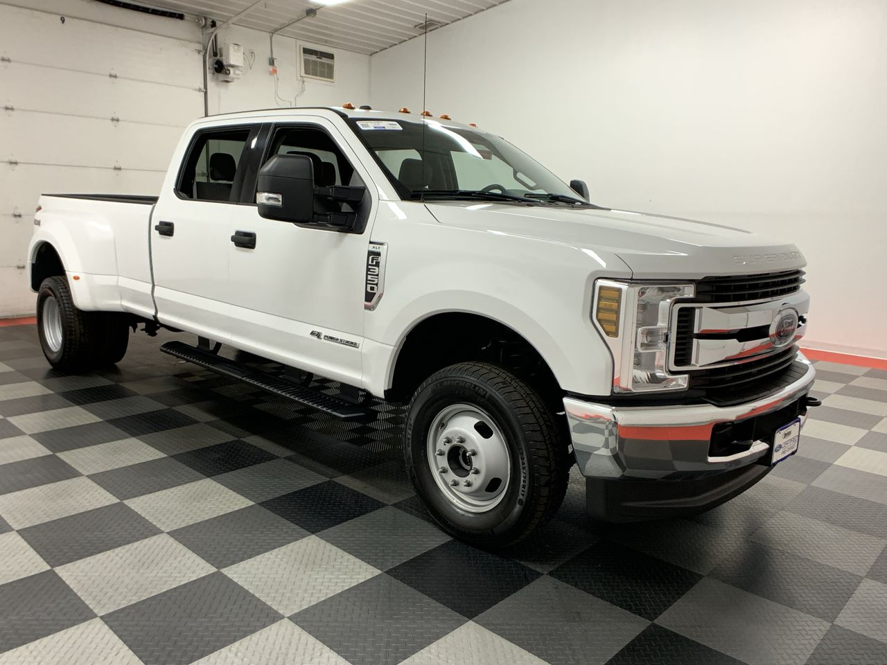 2018 F-350 Crew Cab DRW 4x4,  Pickup #W1469 - photo 16
