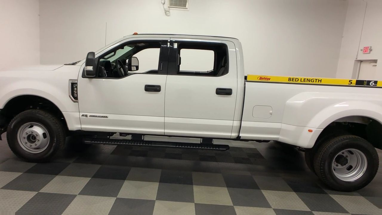 2018 F-350 Crew Cab DRW 4x4,  Pickup #W1469 - photo 6