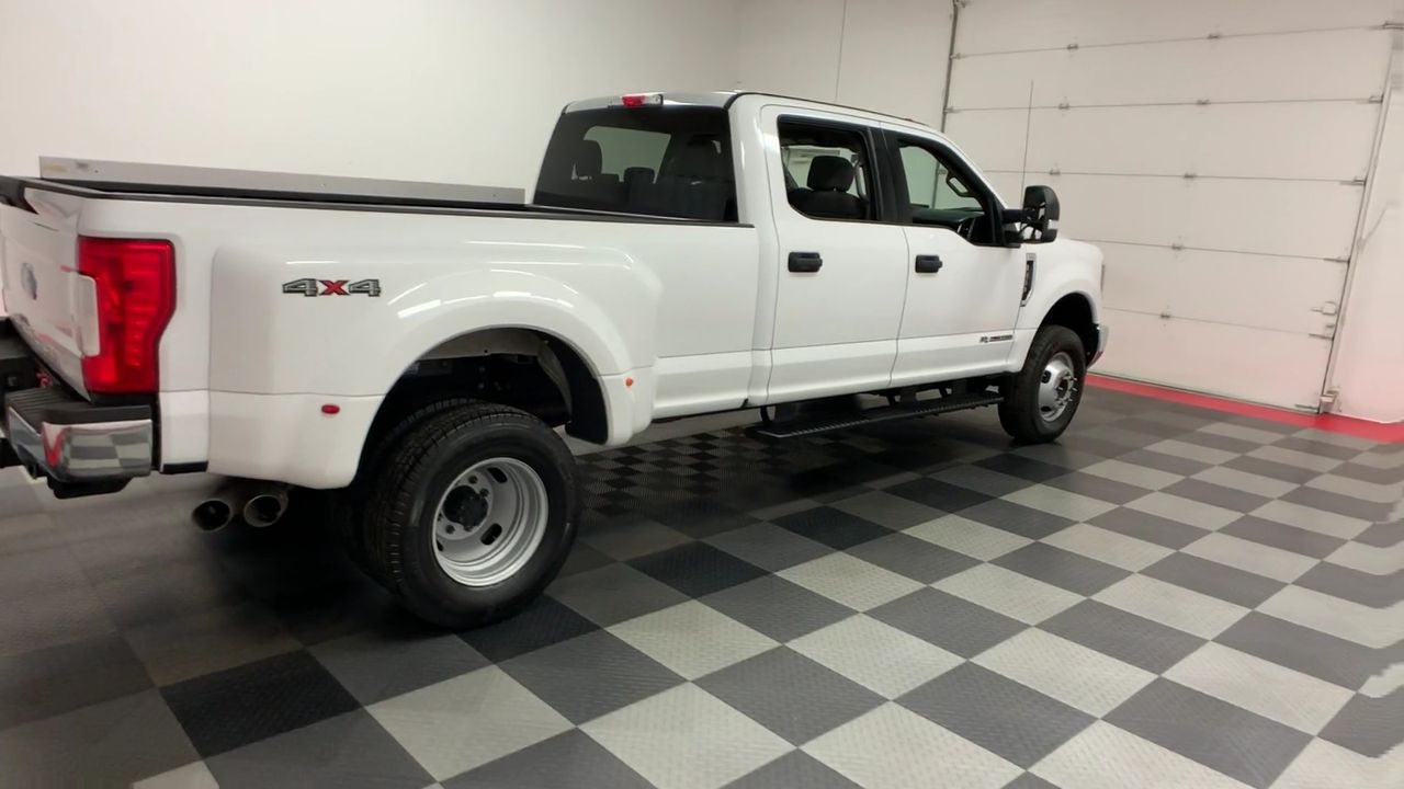 2018 F-350 Crew Cab DRW 4x4,  Pickup #W1469 - photo 8
