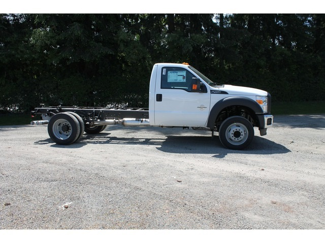 2016 F-450 Regular Cab DRW, Cab Chassis #HC87750 - photo 2