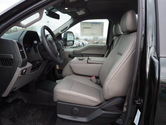 2017 F-550 Regular Cab DRW, Cab Chassis #T19001 - photo 3