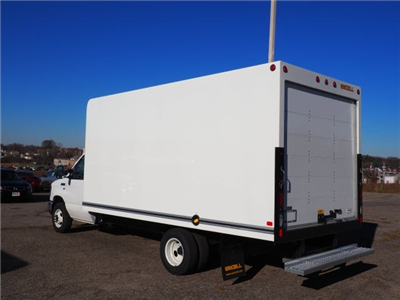 2018 E-350,  Unicell Classicube Cutaway Van #T19449 - photo 2
