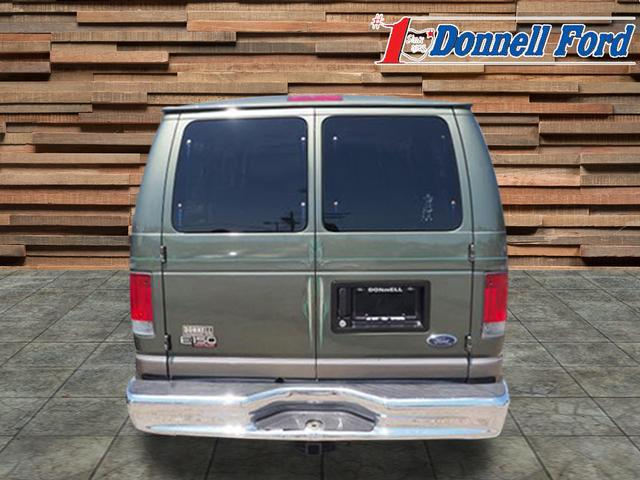 2002 E-150 4x2,  Passenger Wagon #T19774A - photo 3