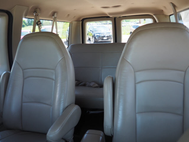 2002 E-150 4x2,  Passenger Wagon #T19774A - photo 7