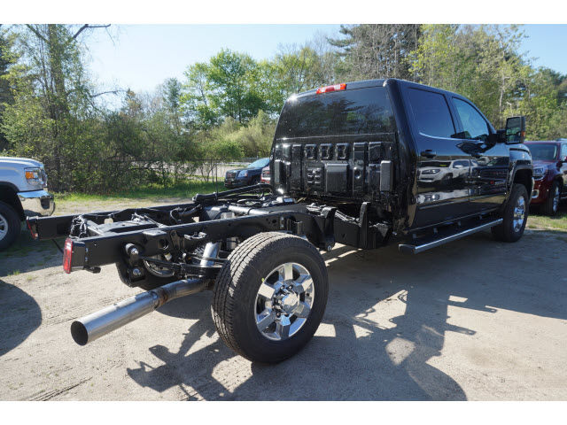 2016 Sierra 3500 Crew Cab 4x4, Cab Chassis #G06832 - photo 3