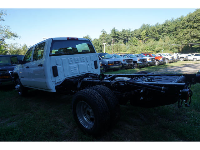 2016 Sierra 3500 Crew Cab 4x4, Cab Chassis #G258866 - photo 2