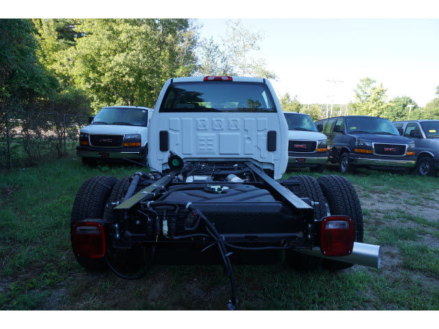2016 Sierra 3500 Crew Cab 4x4, Cab Chassis #G258866 - photo 3