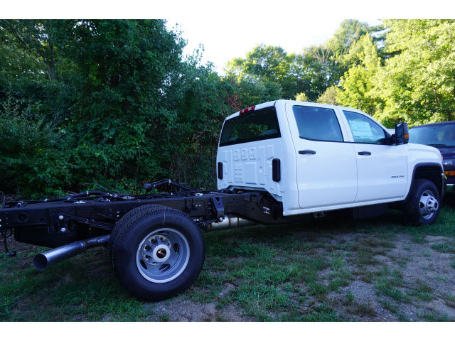 2016 Sierra 3500 Crew Cab 4x4, Cab Chassis #G258866 - photo 4