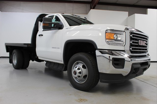 2018 Sierra 3500 Regular Cab DRW 4x4,  Knapheide PGNB Gooseneck Platform Body #107098 - photo 3