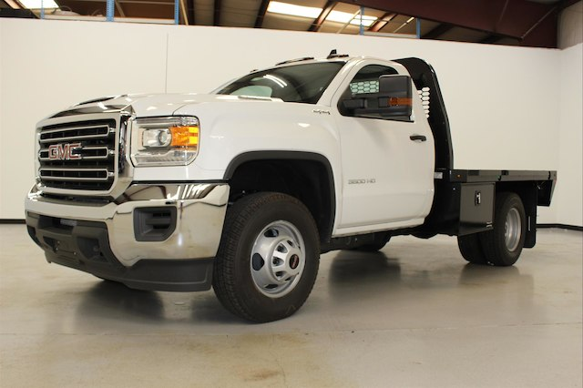 2018 Sierra 3500 Regular Cab DRW 4x4,  Knapheide PGNB Gooseneck Platform Body #107098 - photo 5