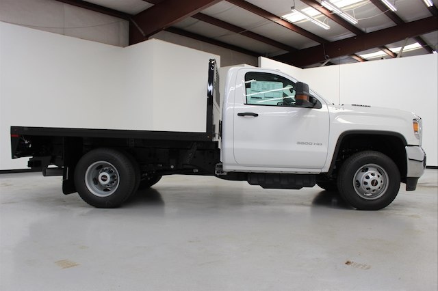 2018 Sierra 3500 Regular Cab DRW 4x4,  Knapheide PGNB Gooseneck Platform Body #107098 - photo 9