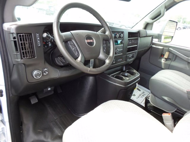 2020 GMC Savana 3500 RWD, Rockport LE Cutaway Van #CL10477 - photo 8