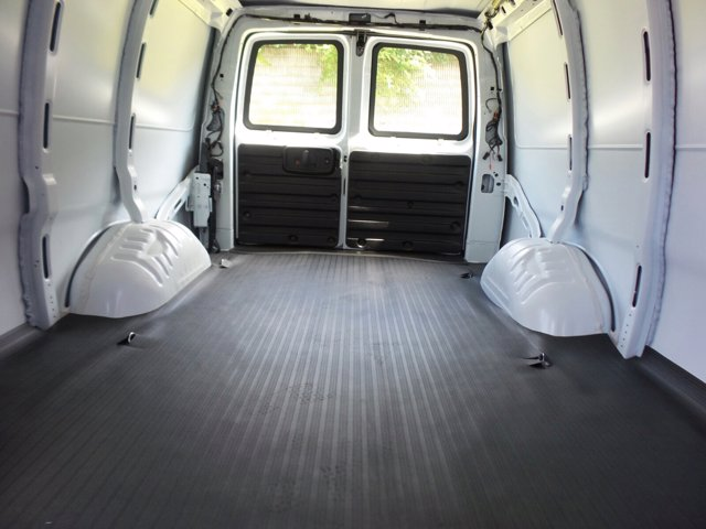 2020 GMC Savana 3500 RWD, Empty Cargo Van #CL59680 - photo 11