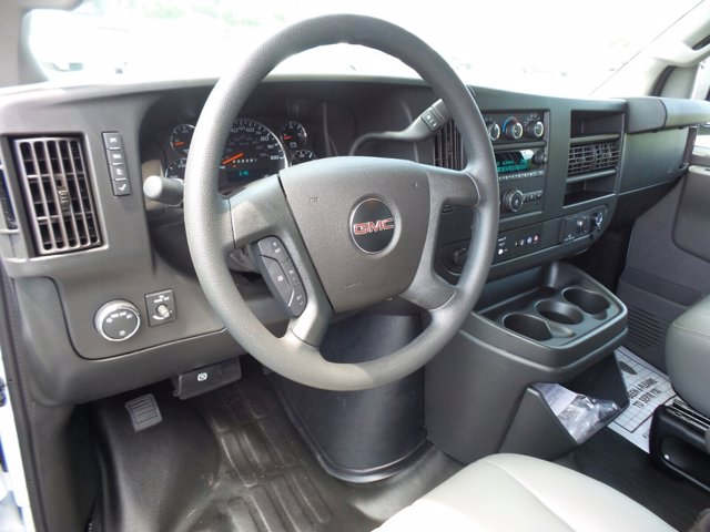 2020 GMC Savana 3500 RWD, Empty Cargo Van #CL59680 - photo 8