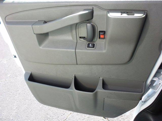 2020 GMC Savana 3500 4x2, Rockport Cutaway Van #CL64285 - photo 29