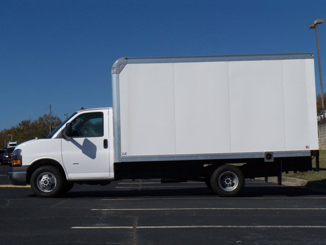 2020 GMC Savana 3500 4x2, Rockport Cutaway Van #CL64285 - photo 6