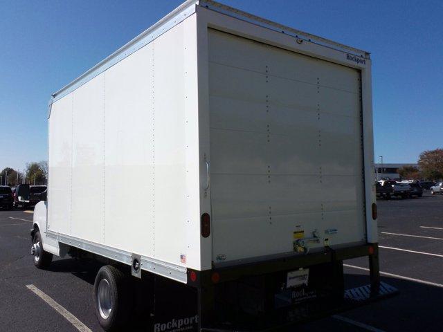 2020 GMC Savana 3500 4x2, Rockport Cutaway Van #CL64285 - photo 7