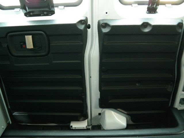 2020 Savana 2500 4x2,  Kargo Master Commercial Shelving Upfitted Cargo Van #L1121569 - photo 11