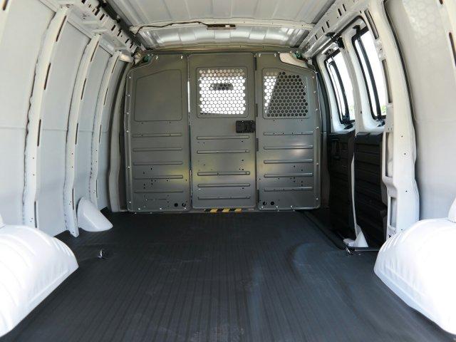 2019 Savana 2500 4x2,  Empty Cargo Van #M1291051 - photo 1