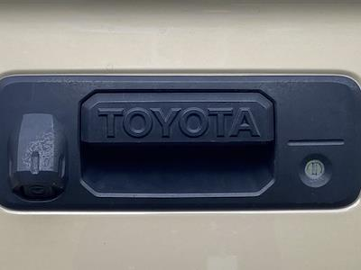 2017 Toyota Tundra Crew Cab 4x2, Pickup #M25738A - photo 32