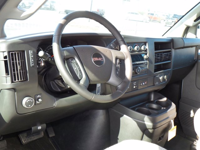 2021 GMC Savana 4500 DRW 4x2, Cutaway #MD01137 - photo 7