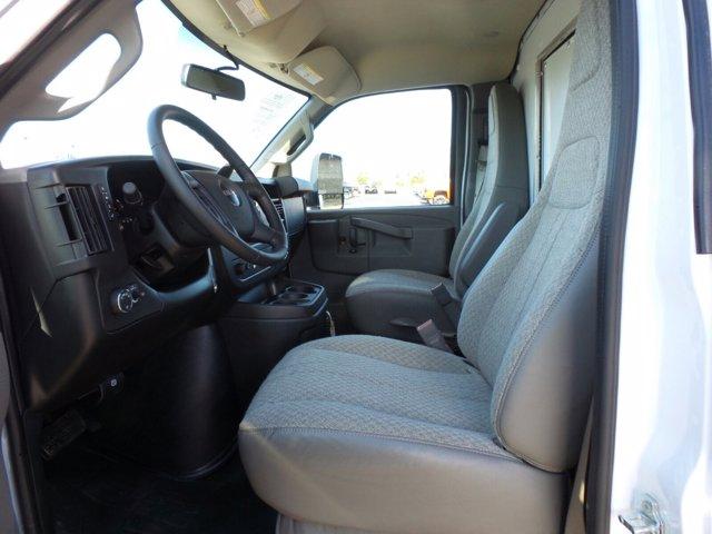 2021 GMC Savana 4500 DRW 4x2, Cutaway #MD01137 - photo 8