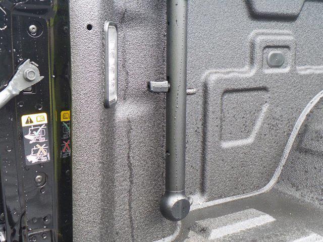 2021 GMC Sierra 1500 Crew Cab 4x4, Pickup #MD32932 - photo 40
