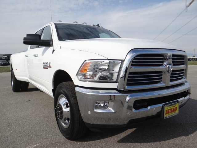 2018 Ram 3500 Crew Cab DRW 4x2,  Pickup #18D1540 - photo 17