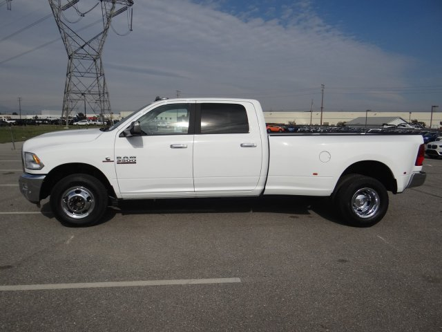 2018 Ram 3500 Crew Cab DRW 4x2,  Pickup #18D1540 - photo 21
