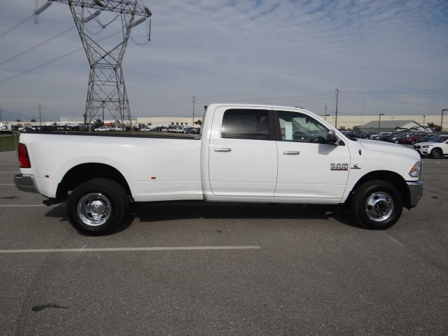 2018 Ram 3500 Crew Cab DRW 4x2,  Pickup #18D1540 - photo 25