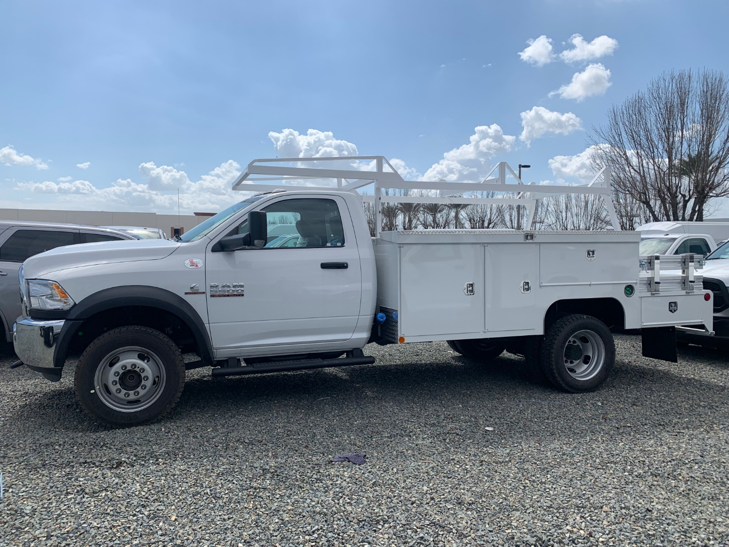 2018 Ram 5500 Regular Cab DRW 4x4,  Scelzi Combo Body #18D1567 - photo 2