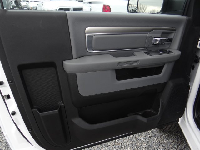 2018 Ram 3500 Regular Cab 4x2,  Pickup #18D1603 - photo 25