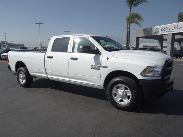 2018 Ram 3500 Crew Cab, Pickup #18D627 - photo 3