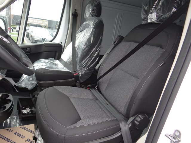2019 ProMaster 2500 High Roof FWD,  Empty Cargo Van #19D349 - photo 5